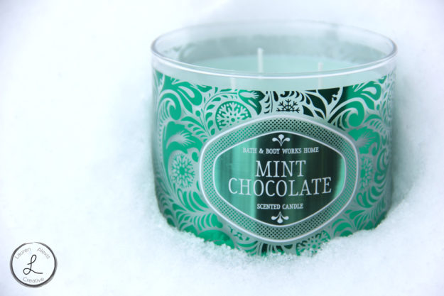 bath and body works, bath and body works home, bath and body works candle, bath and body works mint and chocolate, candle in winter, candle in snow, winter product photography